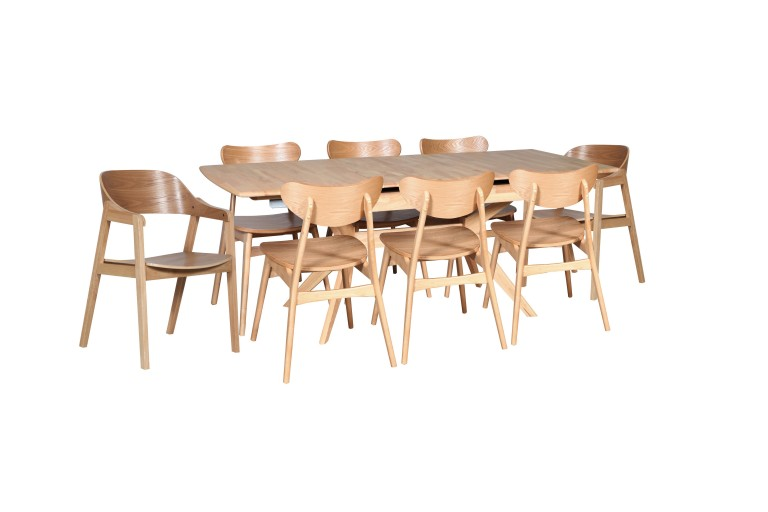 York 1450 Auto Ext Natural 6 x Finland Chairs 2x Norway Chairs Natural Veneer